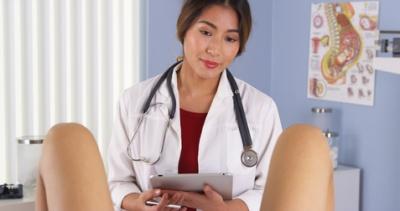 Schwangere bei der untersuchung in den arsch gefickt 7