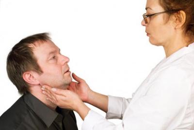 Die Beschädigungen der Wirbelsäule und des Beckens die Diagnostik und die Behandlung
