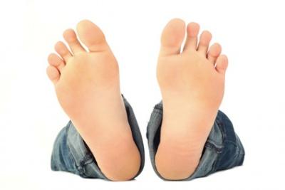 Mädchen Lässt Füße Anhimmeln